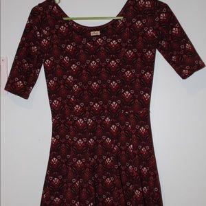 Maroon patterned modern-pleated dress